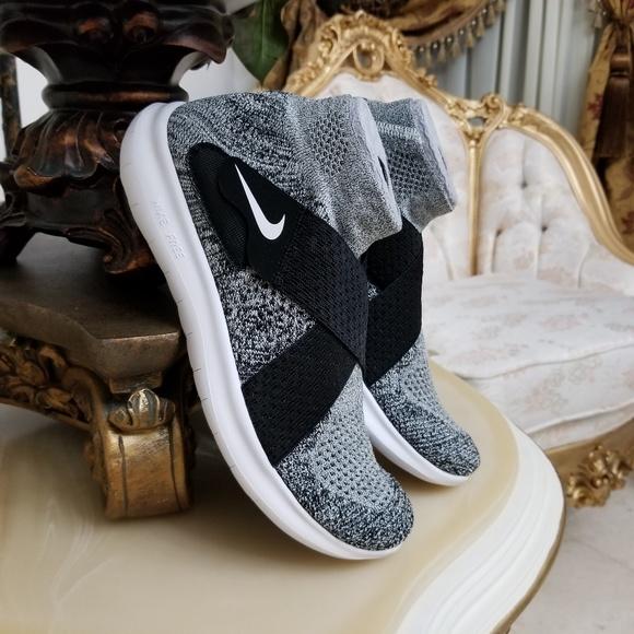 43038c5a82e0 Nike Women s Free RN Motion Flyknit 2017 Shoes. M 5aa75dd2c9fcdf50b482c7a6